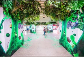 Perrier transforms Shanghai Metro into a jungle