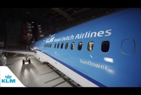 Unboxing the new KLM Boeing 787 Dreamliner